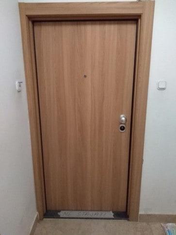 Protuprovalna vrata akcija vrata dizajn primjer 19
